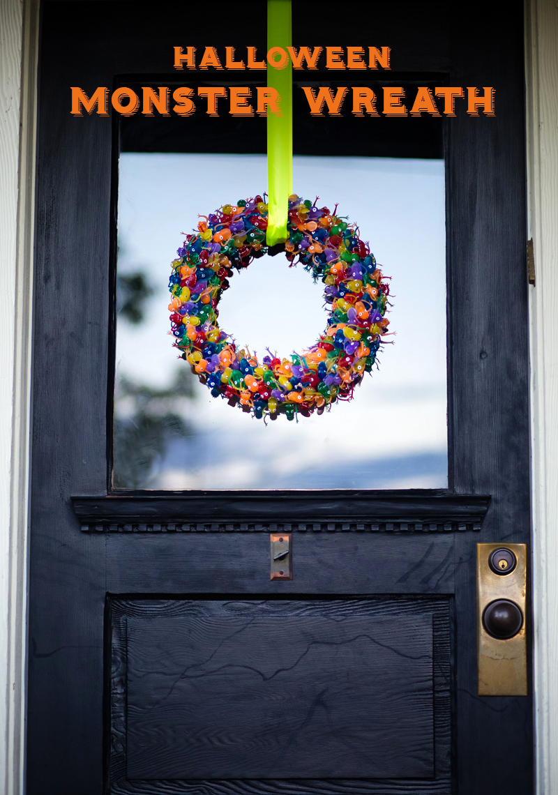141021_monster-wreath-005text